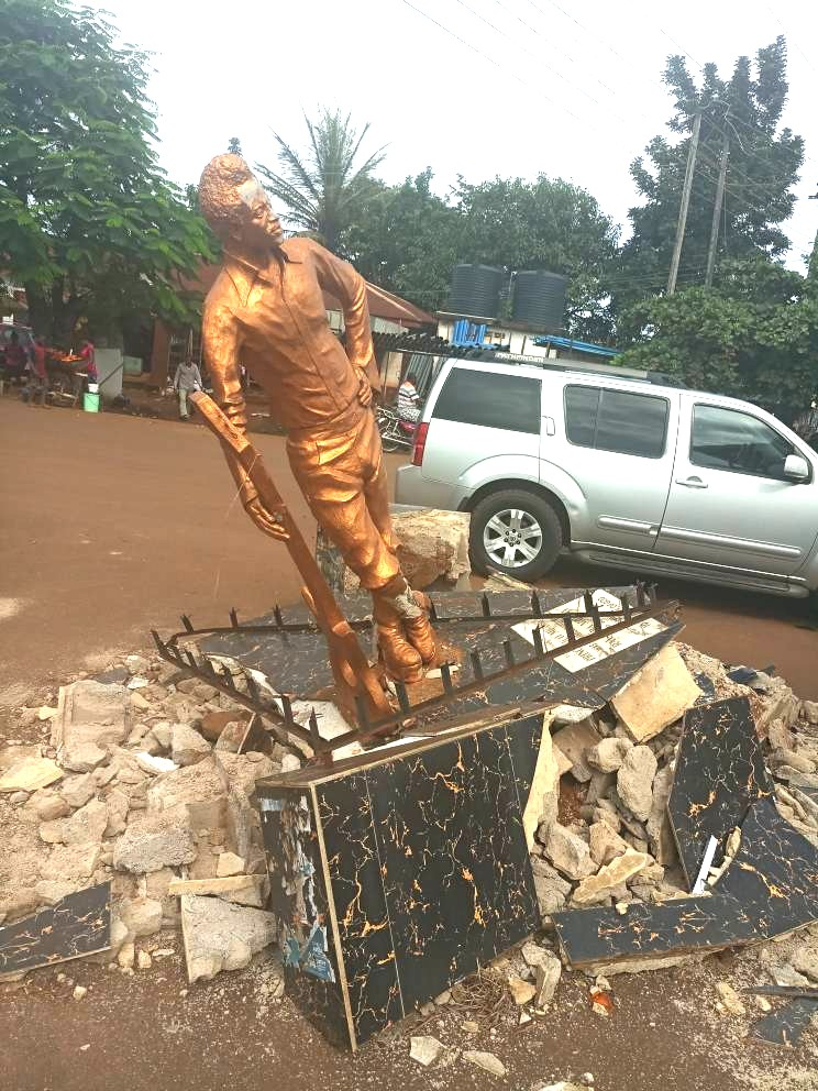Highlife Super Star, Prince Nico Mbarga's Statue Knocked Down
