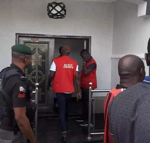EFCC Arrest Four Yahoo Boys in Calabar, Seize Cars, Laptops, Property